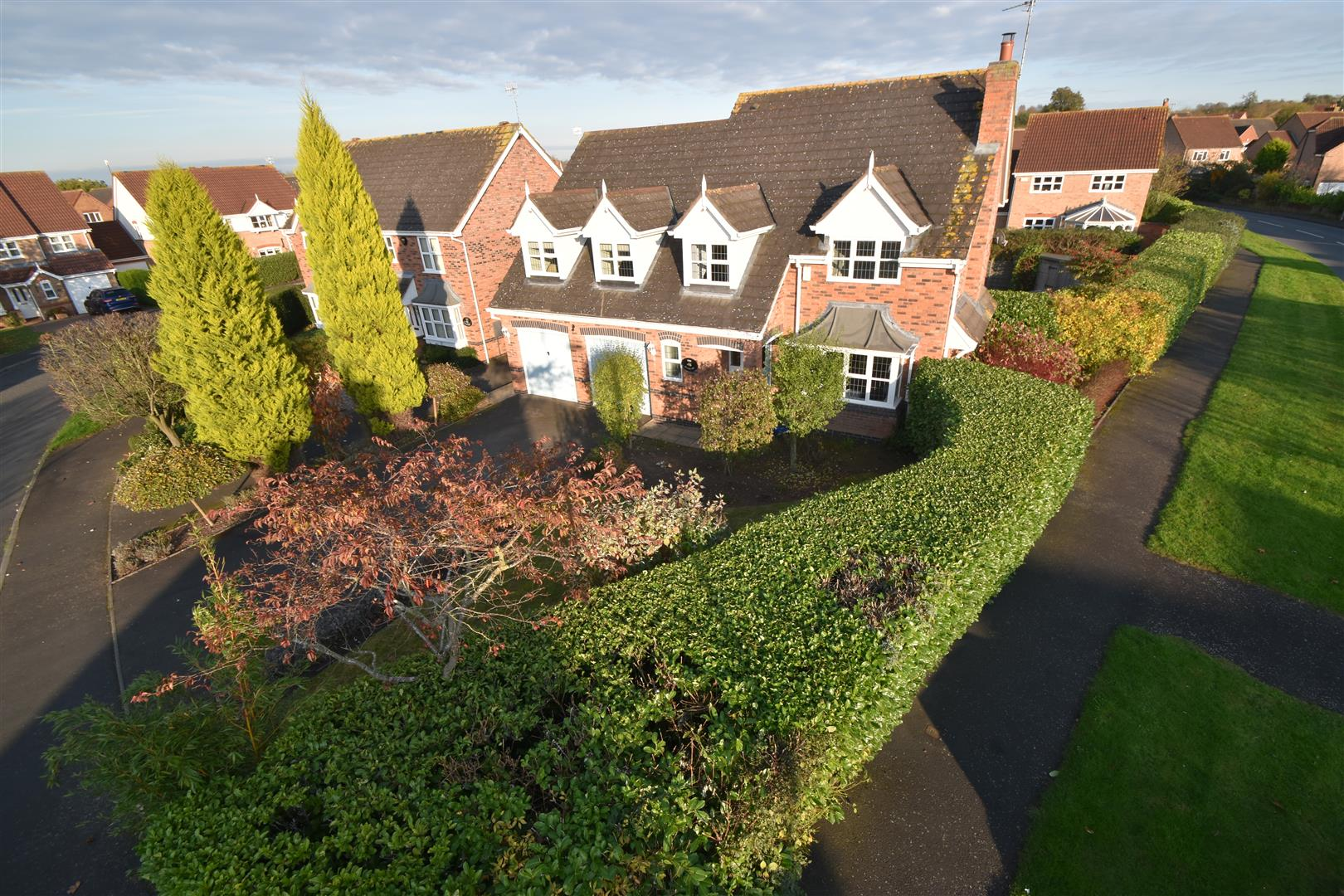 5 Bedrooms Detached House for sale in Showell Grove, The Ridings, Droitwich Spa